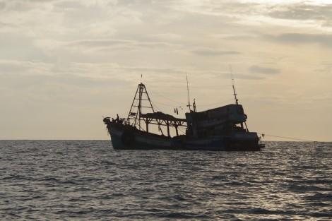 Hai thuyền viên tử vong trên biển