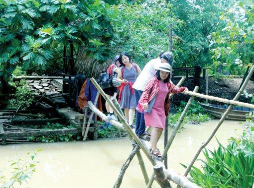 Du lịch cộng đồng cồn Sơn đón khoảng 20.000 lượt khách trong năm