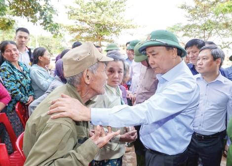Cần nhanh chóng đảm bảo cuộc sống bình thường cho nhân dân trong vùng lũ lụt