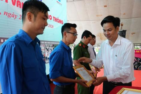 """Hơn 300 đoàn viên, thanh niên tham gia ngày hội """"Thanh niên với văn hóa giao thông"""""""