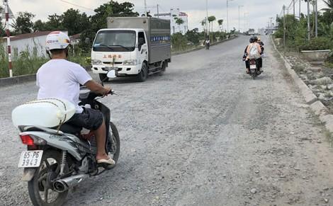Ðề nghị sửa chữa mặt đường đảm bảo an toàn giao thông