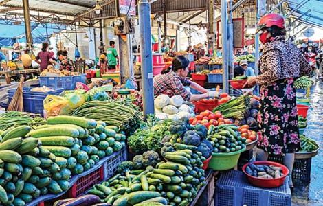 Giá nhiều loại rau củ quả tăng