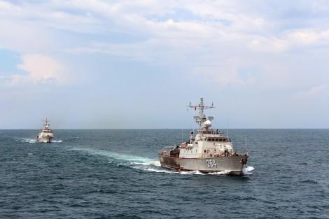 Xây dựng Vùng 5 Hải quân vững mạnh về chính trị, bảo vệ vững chắc chủ quyền biển, đảo Tây Nam