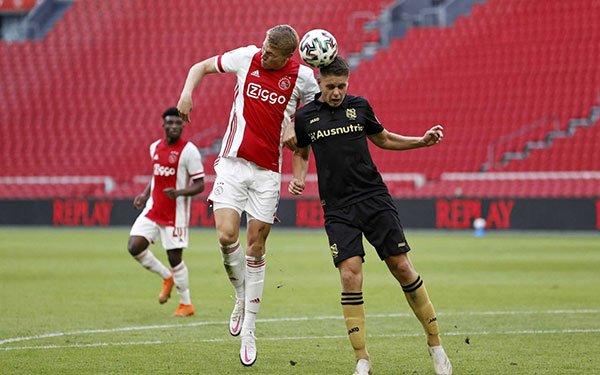 Ngả mũ trước lò đào tạo của Ajax