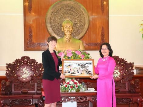 Lãnh đạo TP Cần Thơ tiếp  Tổng Lãnh sự Vương quốc Anh  và Bắc Ireland tại TP Hồ Chí Minh