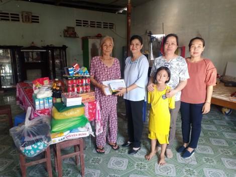 Nhóm từ thiện của chị Tuyết Lan hỗ trợ hoàn cảnh khó khăn
