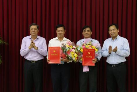 Ban Thường vụ Thành ủy trao quyết định về công tác cán bộ
