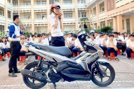 Tuyên truyền an toàn giao thông cho học sinh