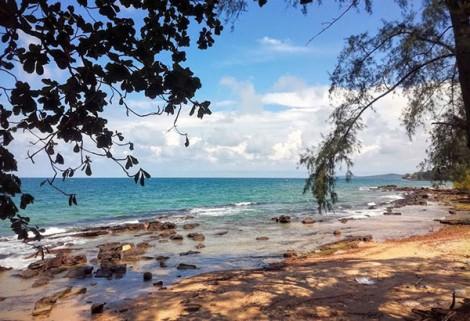 Bình yên trên bãi biển Ông Lang