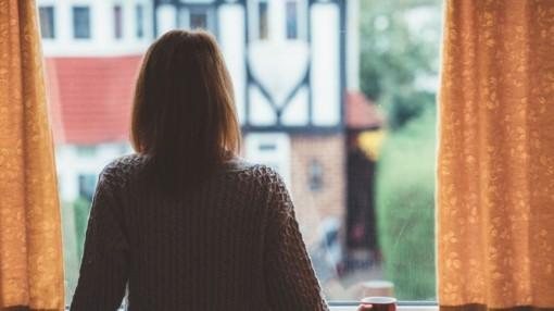 Thái độ sống thờ ơ -  dấu hiệu cảnh báo sớm của bệnh mất trí nhớ
