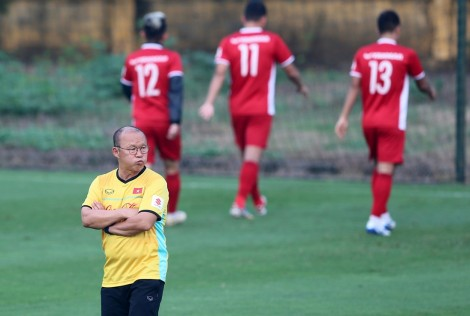 Thầy Park mong được như... Kiatisak