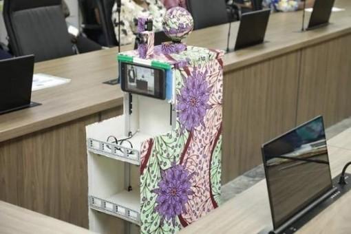 Nigeria phát triển robot chăm sóc bệnh nhân COVID-19