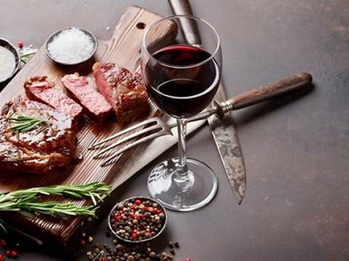 Ăn nhiều thịt đỏ, uống nhiều rượu tăng nguy cơ ung thư đại tràng