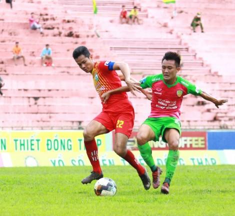 Bóng đá Đồng Tháp loay hoay trước mùa giải mới