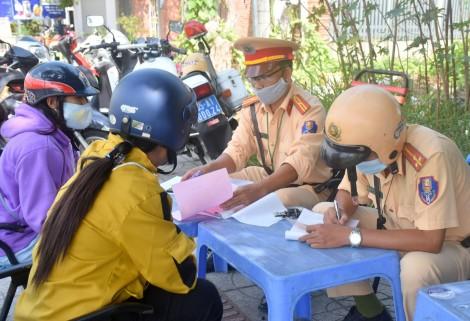 Vẫn còn nhiều người vi phạm lỗi không mang theo giấy tờ khi điều khiển phương tiện tham gia giao thông