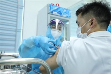 Vietnam makes inroads into COVID-19 vaccination coverage