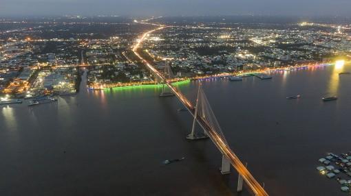 Những cây cầu, những con đường dần thay đổi bộ mặt miền Tây