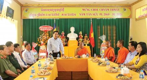 Lãnh đạo thành phố chúc Tết  Cổ truyền Chôl Chnăm Thmây