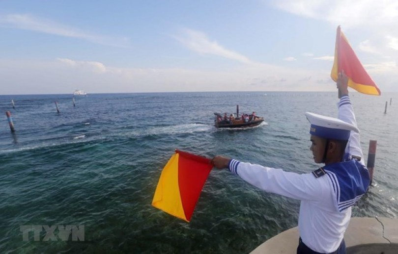 Vietnam requests businesses to respect its sovereignty over Hoang Sa, Truong Sa