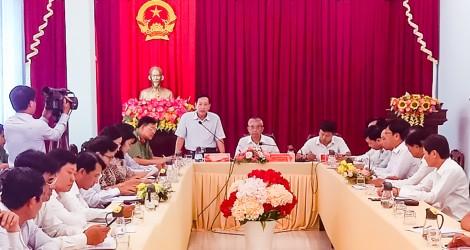 Kiểm tra công tác chuẩn bị bầu cử ở huyện Vĩnh Thạnh