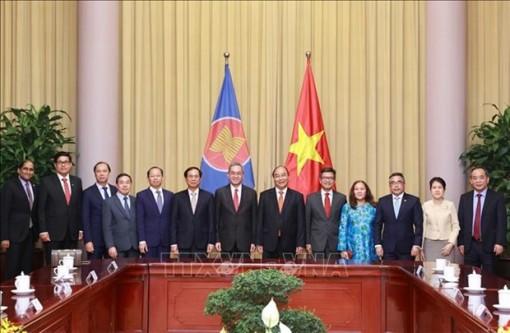 State President hosts ASEAN diplomats in Hanoi