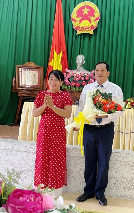 Ông Lê Minh Triết được bầu làm Phó Chủ tịch UBND quận Thốt Nốt