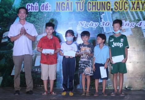 Báo Cần Thơ  trao học bổng cho học sinh nghèo, hiếu học