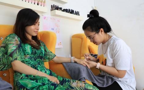 Thu nhập ổn định nhờ nghề nail
