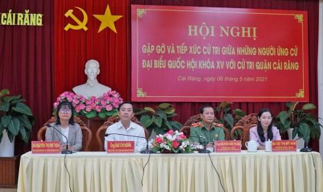 Những người ứng cử đại biểu Quốc hội khóa XV và đại biểu HĐND thành phố tiếp tục tiếp xúc cử tri