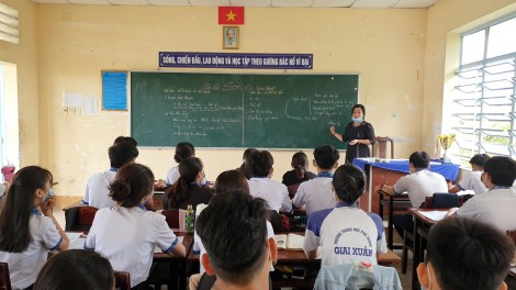 Học sinh Cần Thơ tạm dừng đến trường, chuyển sang hình thức học trực tuyến từ ngày 10-5