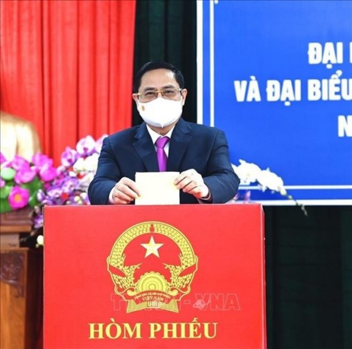 Prime Minister Pham Minh Chinh casts ballots in Can Tho