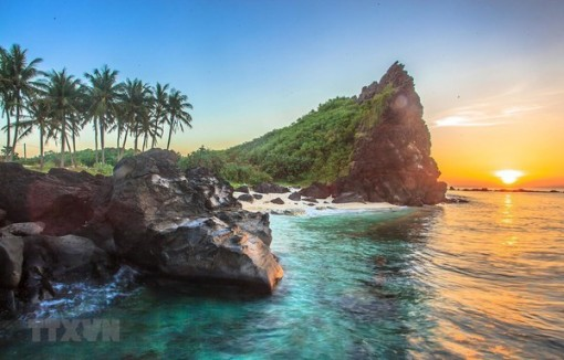 Solutions sought to promote sustainable growth of Ly Son island