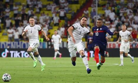 Đức thua đau vì Hummels phản lưới nhà