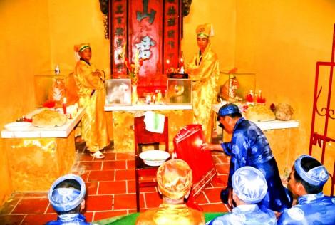 Bảo vệ và lưu truyền cho thế hệ sau những giá trị đặc trưng của di sản văn hóa phi vật thể
