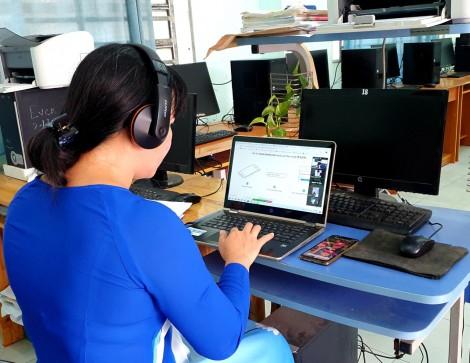 Đẩy mạnh hình thức học từ xa, học qua mạng Internet