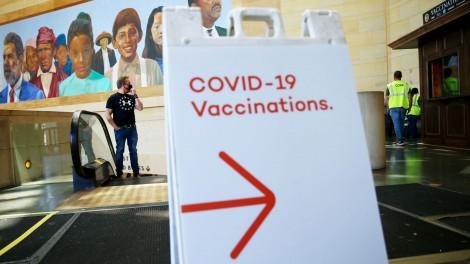 Mỹ, Israel hối thúc người dân tiêm vaccine