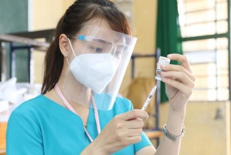 Phân bổ gần 4,9 triệu liều vaccine phòng COVID-19 cho 19 tỉnh, thành phía Nam