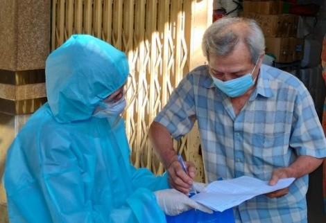 Liều vaccine thiết thực giúp người dân vơi nỗi lo, thêm nụ cười và niềm tin chiến thắng