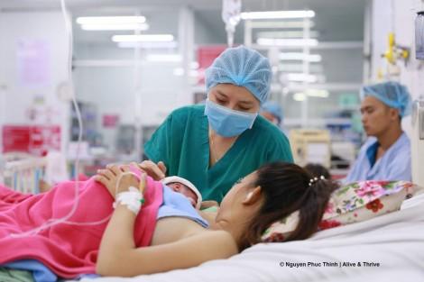 Nên cho trẻ bú sữa mẹ trong giai đoạn dịch bệnh COVID-19