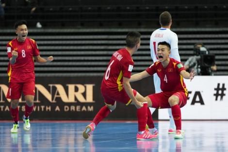 Hòa CH Séc, tuyển futsal Việt Nam vào vòng 16 đội