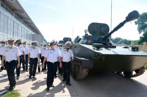 Tư lệnh Hải quân thăm, kiểm tra Lữ đoàn Hải quân đánh bộ 147