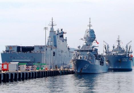 Hải quân Việt Nam, Australia luyện tập chung trên vịnh Cam Ranh