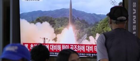 Triều Tiên lại phóng thử tên lửa