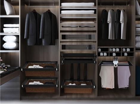 Phụ kiện tủ quần áo thông minh làm tăng tiện ích và công năng sử dụng
