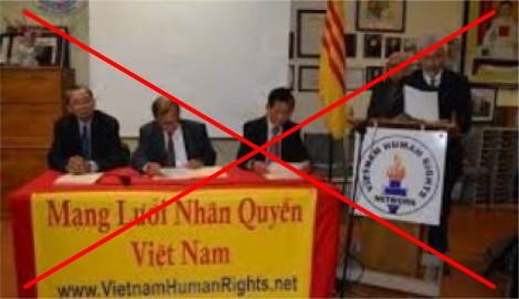 """""""Giải thưởng nhân quyền Việt Nam 2021"""": Lại diễn những trò lố!"""