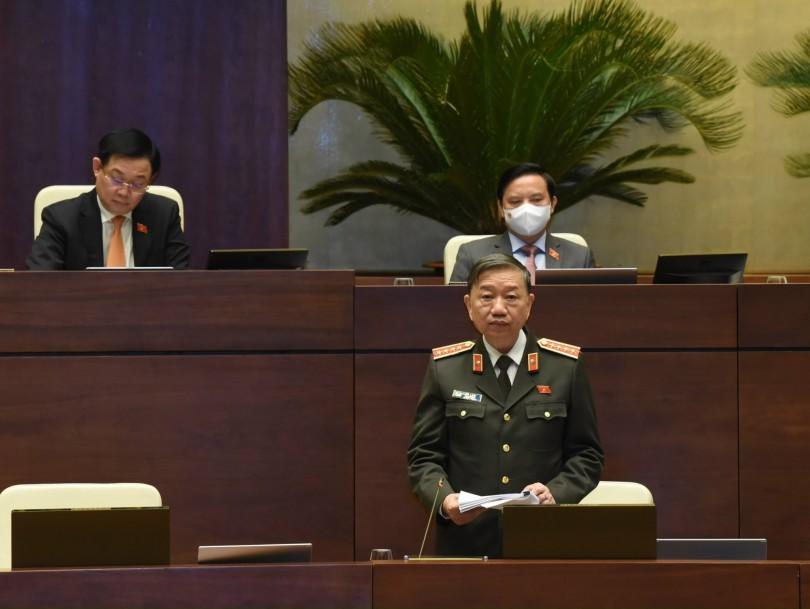 Quốc hội cho ý kiến về hai dự án Luật
